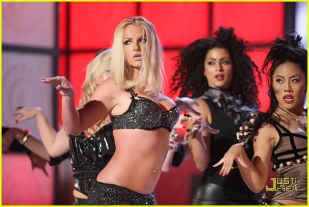 britney-spears-vmas-boobs-tetas-2007