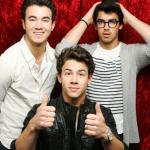 Juego para vestir a los Jonas Brothers