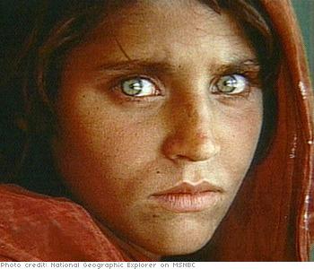 sharbat-gula-chica-afgana-5
