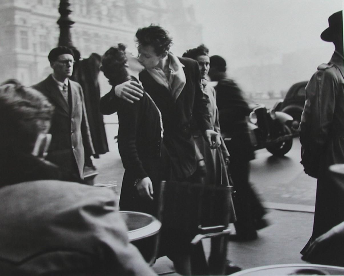 el-beso-del-hotel-de-ville-1950