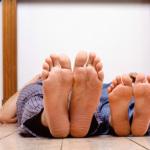 ¿Por qué no tenemos lunares en las palmas de las manos y en las plantas de los pies?