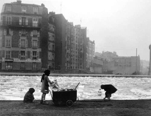 robert-doisneau-17-les-glaneurs-de-charbon-1945