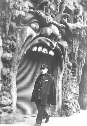 robert-doisneau-21-le-enfer-1952