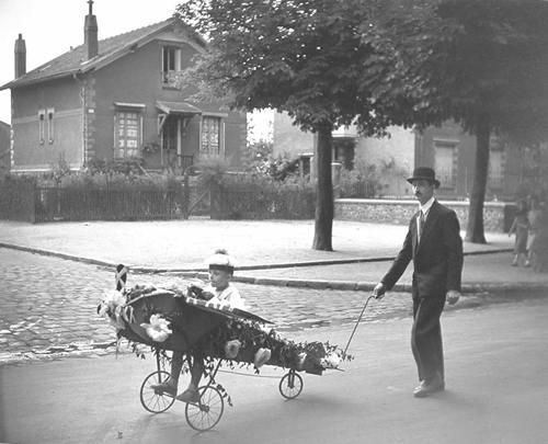 robert-doisneau-26-le28099aeroplane-de-papa-1934
