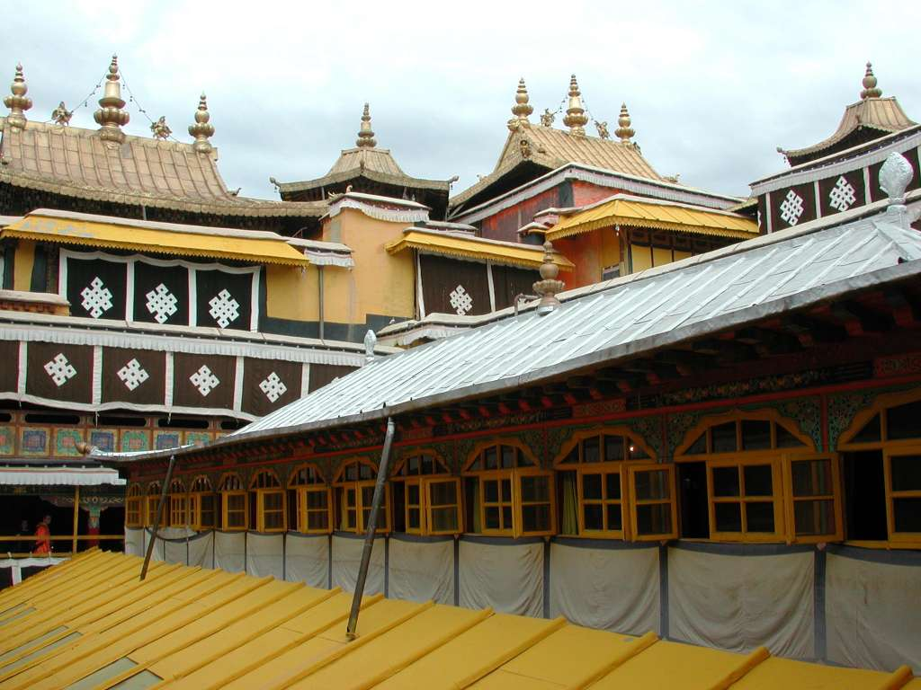13_some_of_the_potala_roofs