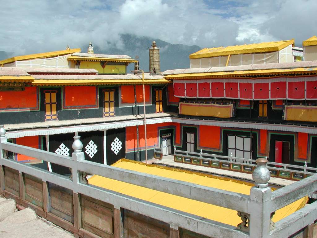 15_potala_roofs_once_more