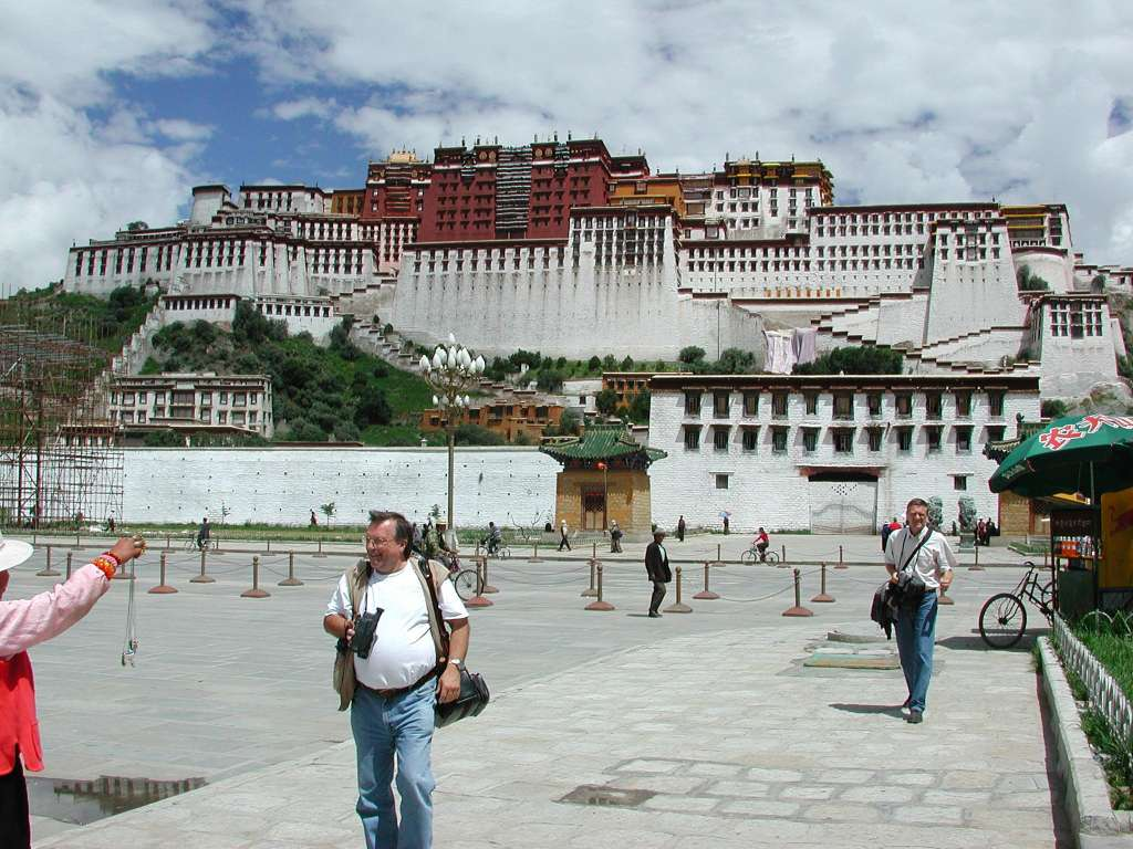 27_overview_potala_from_south2