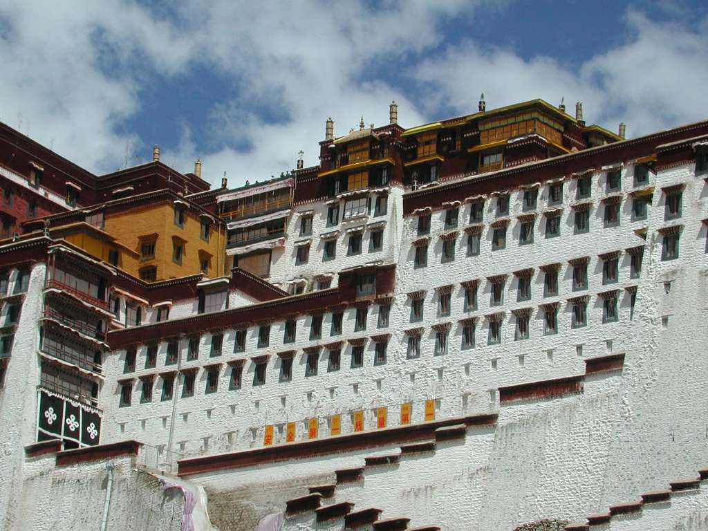 30_closeup_potala_from_south