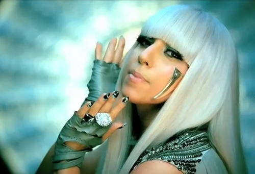 lady-gaga-poker-face-02