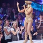 Lady Gaga endrogaita viva en