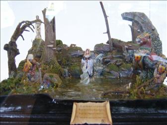 dama-lago-diorama