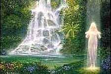 dama-lago-luz-cascada