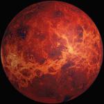 ¿Cuál es la peculiaridad de la rotación de Venus?