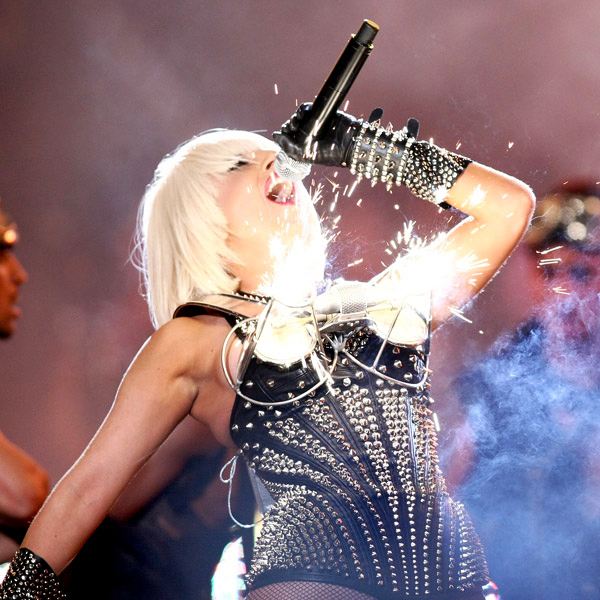 lady_gaga_much_music_fire_fuego