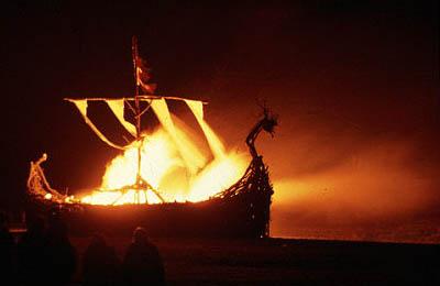 vikingo-rito-barco-muerte-fuego