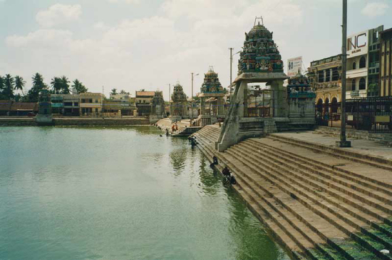 Sri Ranganathaswamy templo india lago