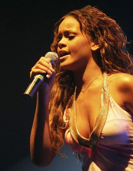 rihanna-pelo-largo-imagenes-fotos-wallpapers-12