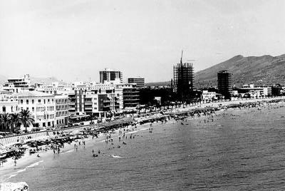 benidorm-fotos-playa-levante-1965-torre-coblanca-construccion