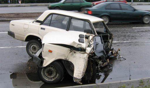 coche partido mitad 1