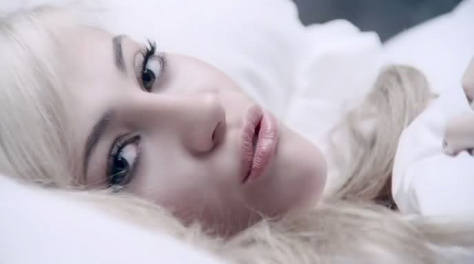 pixie lott mama do video cama bed