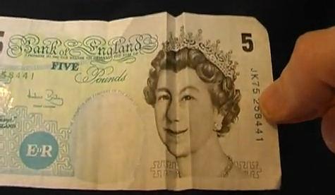 efecto optico billetes cara alegre