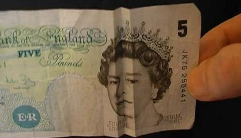 efecto optico billetes cara triste