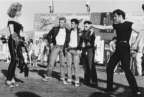 grease-olivia-newton-john-travolta-02