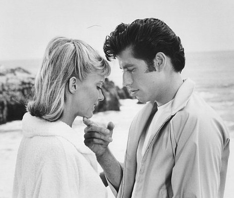 grease-olivia-newton-john-travolta-09