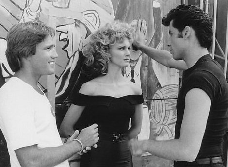 grease-olivia-newton-john-travolta-10