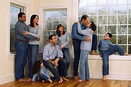 fotos familias raras besando