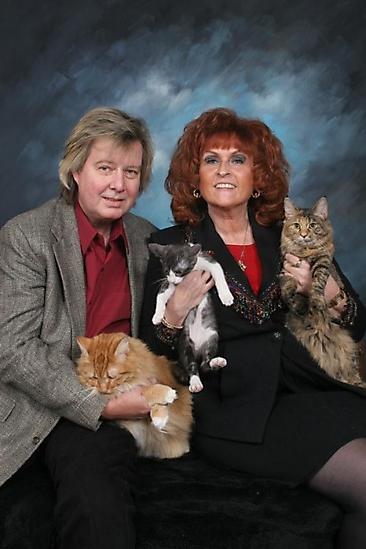 fotos familias raras bruja y sus gatos