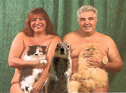 fotos familias raras desnudos gato perro