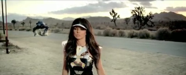 black-eyed-peas-imma-be-rocking-that-body-video