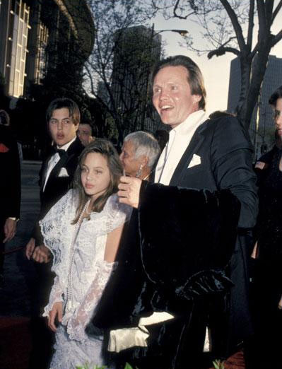 angelina jolie oscar 1986 muchacha