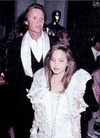 angelina jolie oscar 1986 pequena