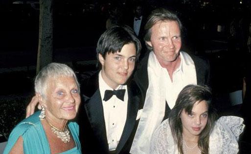 angelina jolie oscar1986 familia