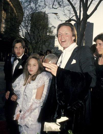 angelina jolie oscar 1986 jovencita