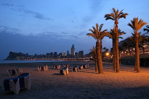 benidorm-playa-noche