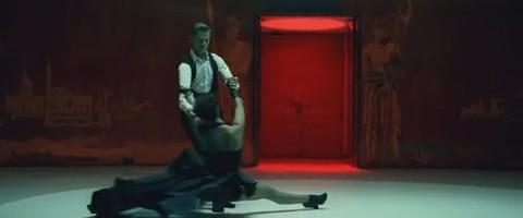 cheryl-cole-parachute-video-musical