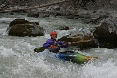canoa-kayak-piraguismo-remo-kayak-rapido