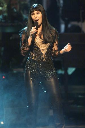 cher-cantando-singing