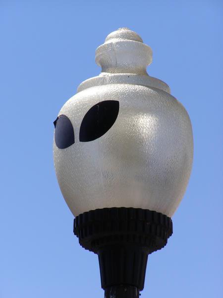 farola_roswell-streetlight-extraterrestre