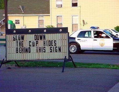imagen-humor-cartel-policia