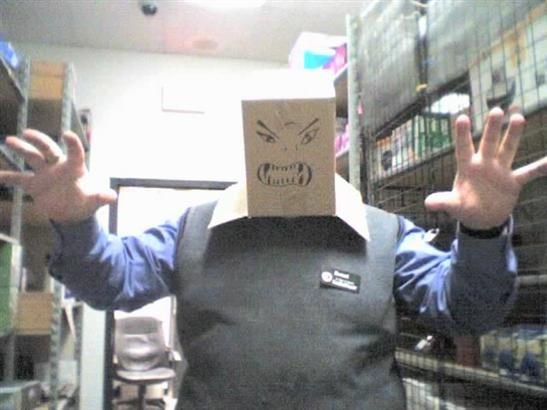 imagenes oficina humor risa caja terror