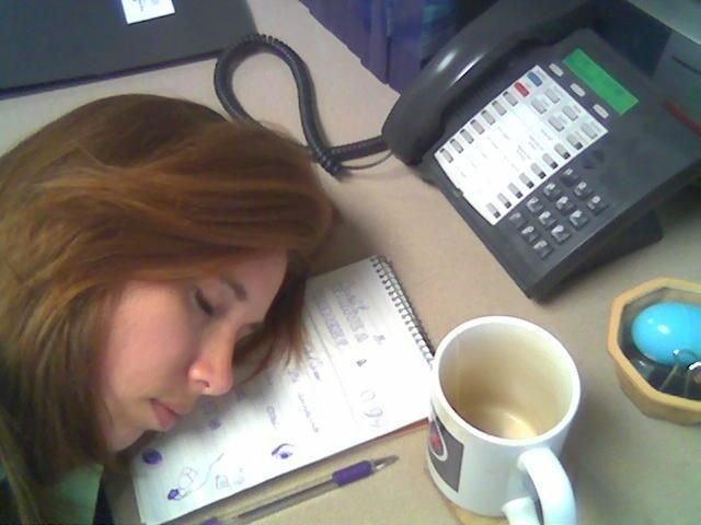 imagenes oficina humor risa durmiendo mesa