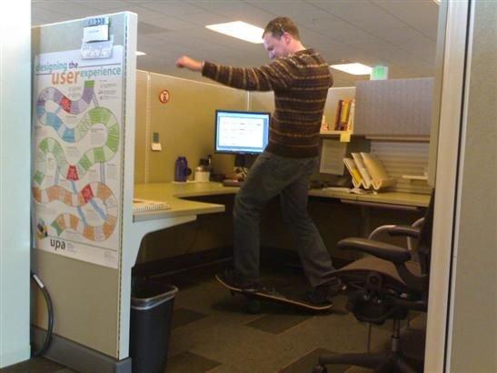 imagenes oficina humor risa skate board