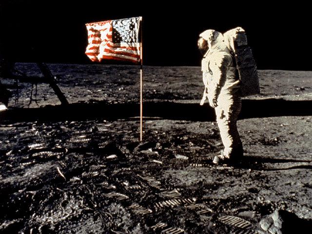 luna-hombre-apollo_11_aldrin_bandera