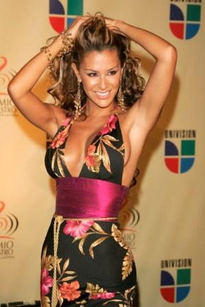 ninel-conde-cantante mexicana