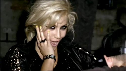 pixie_lott_boys_and_girls_video-unas-amarillas