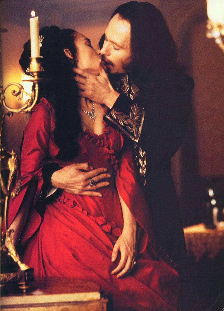 dracula-bram stoker coppola beso mina kiss